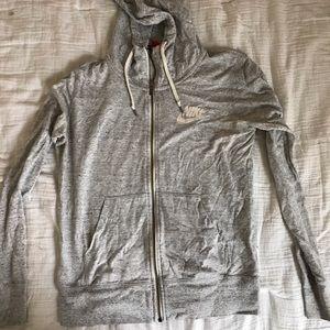 Medium Nike Silver Sweatshirt